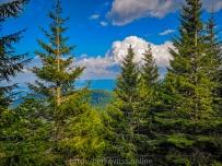 Гледка от подножието на връх Ком